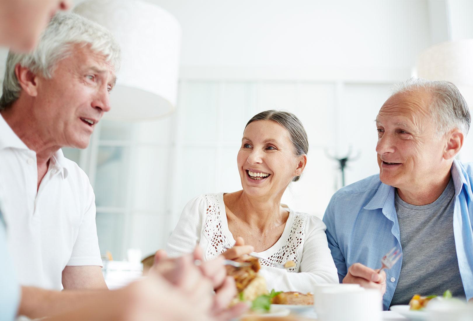 Gemeinsames Essen für Senioren